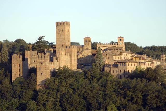 Centro storico di Castell'Arquato all'alba - Pc *** Local Caption *** Scatti per libro Castell'Arquato